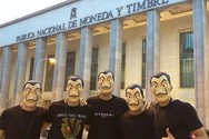 Ποδοσφαιριστές της εθνικής Ισπανίας ντύθηκαν όπως οι... πρωταγωνιστές του «La Casa de Papel»!