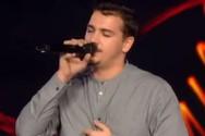 2 χρόνια μετά βρέθηκε ξανά στη σκηνή του Voice (video)