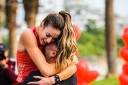 Τερμάτισε πρώτη σε αγώνα δρόμου και... δέχτηκε πρόταση γάμου (video)
