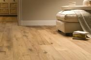 5 κακές συνήθειες που καταστρέφουν το ξύλινο πάτωμα
