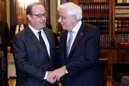 Ο Ολάντ θυμήθηκε το τηλεφώνημα που κράτησε την Ελλάδα στο ευρώ
