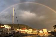 To εντυπωσιακό ουράνιο τόξο στο λιμάνι της Ναυπάκτου (pics+video)