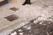 Πάτρα: Έπεσαν κομμάτια από μάρμαρο στο κέντρο