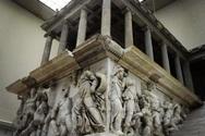 Στην Ευρώπη εκθέτουν τον αρχαίο πολιτισμό στα μουσεία, χωρίς μεταφράσεις στα ελληνικά!