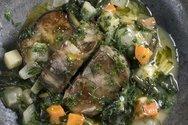 Χοιρινό φρικασέ με σέσκουλα, σελινόριζα και άνηθο