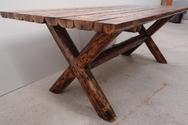 Ηλεία: Έκλεψε τραπέζια από οικία