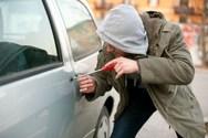 Αιγιαλεία: Aποπειράθηκε να παραβιάσει αυτοκίνητο