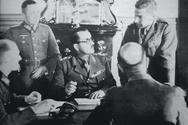 Σαν σήμερα 20 Απριλίου υπογράφεται στο Βοτονόσι Μετσόβου το πρωτόκολλο συνθηκολόγησης του ελληνικού στρατού