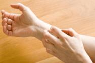 Οι 10 αιτίες επίμονης φαγούρας στο δέρμα