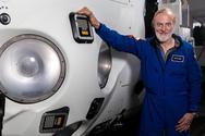 Συνταξιούχος έφτασε σε βάθος 10.927 μέτρων και ανακάλυψε... σακούλα