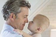 Πατέρας μετά τα 45: Τα προβλήματα υγείας που μπορεί να προκληθούν στο παιδί