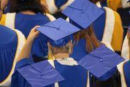 Δισεκατομμυριούχος πληρώνει τα σπουδαστικά δάνεια 400 αποφοίτων (video)