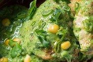 Κοτόπουλο με πράσινο κάρι και καλαμπόκι και κουσκούς με αμύγδαλο