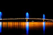 Η Γέφυρα Ρίου - Αντιρρίου φωτίζεται για τους Παράκτιους Μεσογειακούς Αγώνες