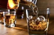 Με ποιους τρόπους βλάπτει το αλκοόλ το δέρμα σας