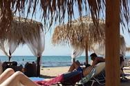 Ο υδράργυρος άγγιξε τους 34°C και οι Πατρινοί ξεχύθηκαν στις παραλίες (φωτo)