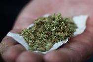 Αγρίνιο: Έπαιζαν στην πλατεία του γηπέδου και βρήκαν ναρκωτικά