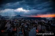 Μαγικό κλικ - Το βουνό απέναντι από την Πάτρα... ηλεκτρίζεται!