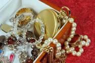 Πάτρα: Ανήλικη έκλεψε κοσμήματα