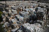 Η Ινδονησία στέλνει πίσω στην Αυστραλία 210 τόνους απορριμμάτων