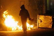 Επίθεση με μολότοφ εναντίον διμοιρίας των ΜΑΤ γύρω από το Πολυτεχνείο