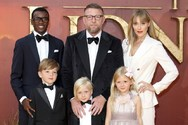Guy Ritchie - Σπάνια δημόσια εμφάνιση με την οικογένειά του! (φωτο)