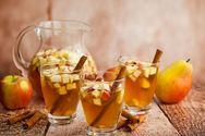 Φτιάξτε λευκή σαγκρία με μήλο και κανέλα