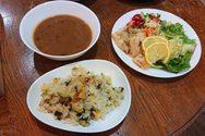 Ιάπωνας διοργανώνει ποντιακές βραδιές με λύρα και Καζαντζάκη