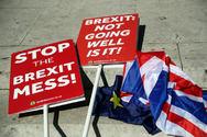 Βρετανία: Κίνδυνος ύφεσης της οικονομίας όσο πλησιάζει το Brexit