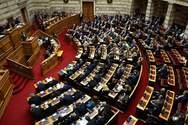 Ενός λεπτού σιγή στη Βουλή για τα θύματα στο Μάτι (video)