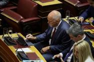 Γιώργος Παπανδρέου - Δεν αποχωρίζεται το αγαπημένο του gadget στη Βουλή