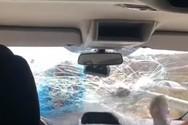 Εστιάτορας έσπασε παρμπρίζ ΙΧ τουριστών επειδή έφυγαν από το μαγαζί του (video)