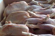 Δέσμευσαν 67 κιλά αλλοιωμένα κοτόπουλα στον Πειραιά