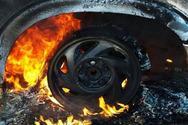 Κρήτη: Δύο αυτοκίνητα τυλίχθηκαν στις φλόγες