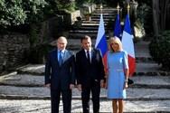 Η πρώτη δημόσια εμφάνιση της Brigitte Macron μετά την πλαστική επέμβαση (φωτο)