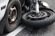 Πάτρα: Τροχαίο στην πλατεία Μαρούδα - Ι.Χ. συγκρούστηκε με μοτοσυκλέτα