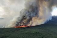 Δεκάδες σπίτια έχουν καταστραφεί από τις πυρκαγιές στην Αλάσκα