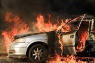 Πάτρα: Φωτιά σε όχημα στο χείμαρρο Παναγίτσα