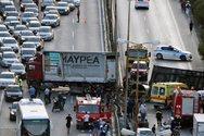 Ανατροπή νταλίκας στην Αθηνών - Κορίνθου με τρεις τραυματίες (φωτο)
