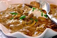 Μοσχαράκι με μανιτάρια και σάλτσα γιαουρτιού
