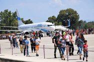 Το καλοκαίρι δεν τελείωσε ακόμα - Τουρίστες καταφτάνουν στον Άραξο και τον Οκτώβρη