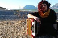 Ανδριάνα Γουλιμή - Η δασκάλα από την Πάτρα με το ακορντεόν και την υπέροχη φωνή!