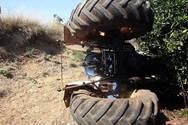 Ηράκλειο - Αγρότης έπεσε σε γκρεμό με το τρακτέρ του