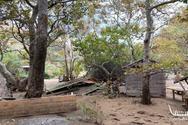 Σκηνές καταστροφής στο ξενοδοχείο του Μάκη Παντζόπουλου (φωτο)