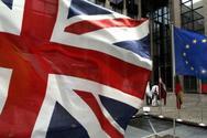 Η συμφωνία του Brexit κρέμεται από μια κλωστή