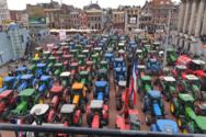 Αγρότες παρέλυσαν τους δρόμους στην Ολλανδία