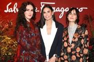 Η Demi Moore ποζάρει με τις κόρες της! (φωτο)