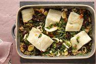 Μπακαλιάρος στο φούρνο με αρωματικά χόρτα
