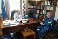 Ο Δήμαρχος Αιγιαλείας πραγματοποίησε συνάντηση με τον Διοικητή της Πυροσβεστικής Αιγίου