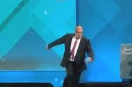 Στο νοσοκομείο μετά από πτώση, ο Γερμανός υπουργός Οικονομίας (video)